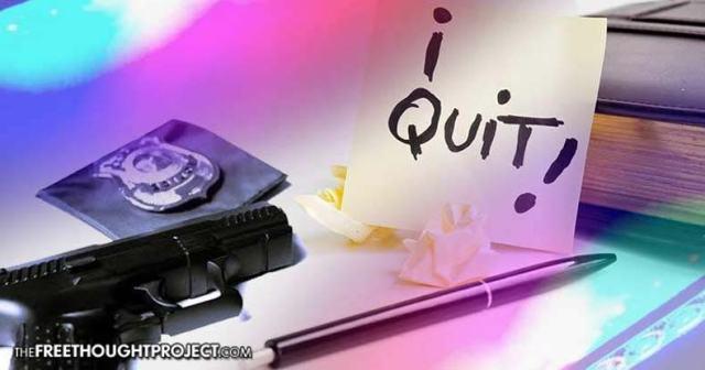 cops-quit