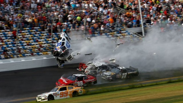 nascar_daytona_500_car_crash_a_l